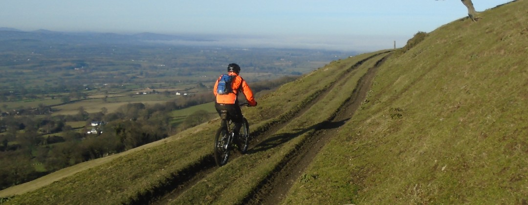 Flattyres-MTB beginners mountain bike skill training courses in North Wales.