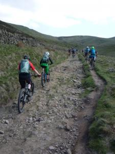 Climbing by the side of Oaken Clough to Edale Cross.