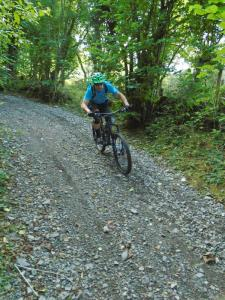 Dave on the fast and loose descent from Eryrys.