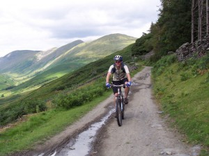 Col (flattyres) descending the Garburn Pass.