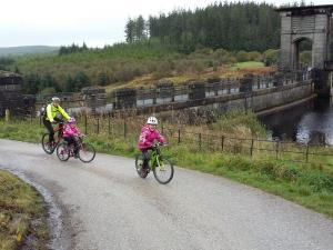 Elisabeth, Anna and Sabine leaving Alwen Reservoir car park.