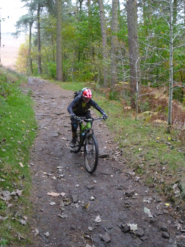 70b47dc9c9e This mountain bike route of 30 miles starts from the village of Hope in the Peak  District. The ride heads east up Hope Valley to the fantastic trails of ...