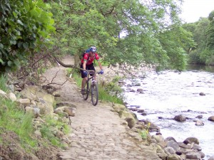 Col (flattyres) on the trail directly beside the River Swale.