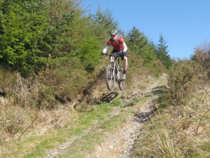 Col (flattyres) on a jump of the first big descent.